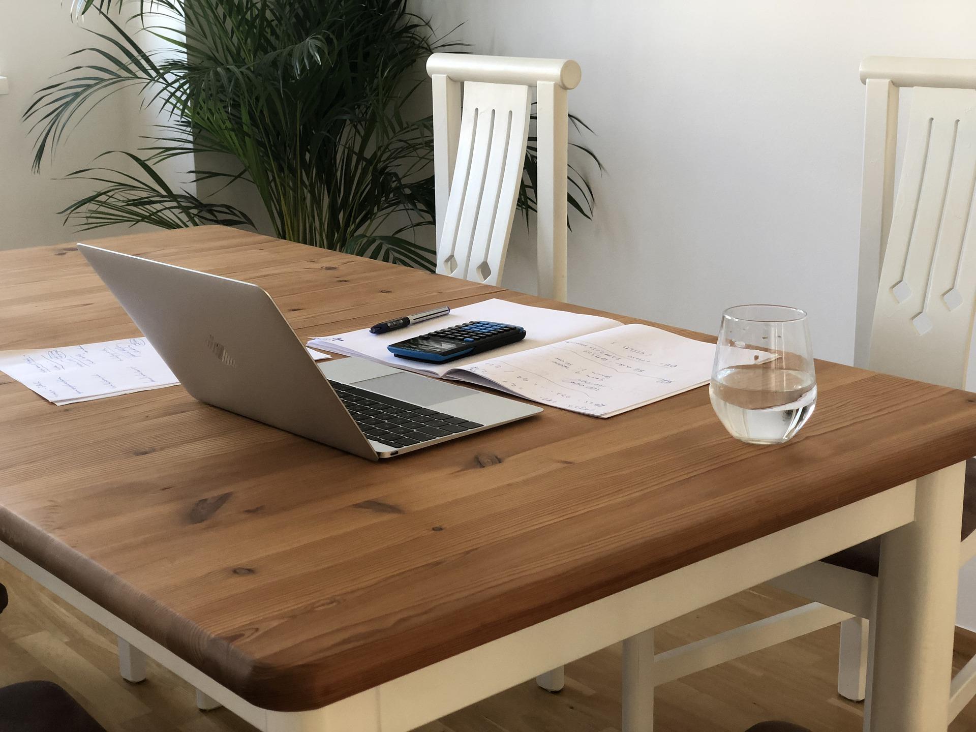 Home office – jak zachować równowagę między pracą i życiem prywatnym?