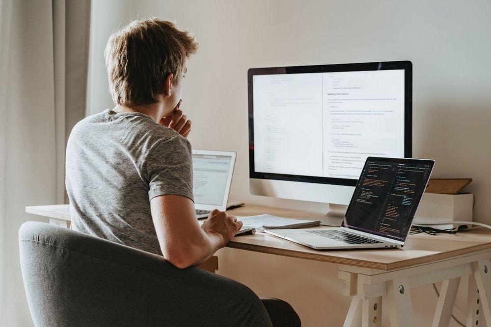 praca zdalna - programowanie