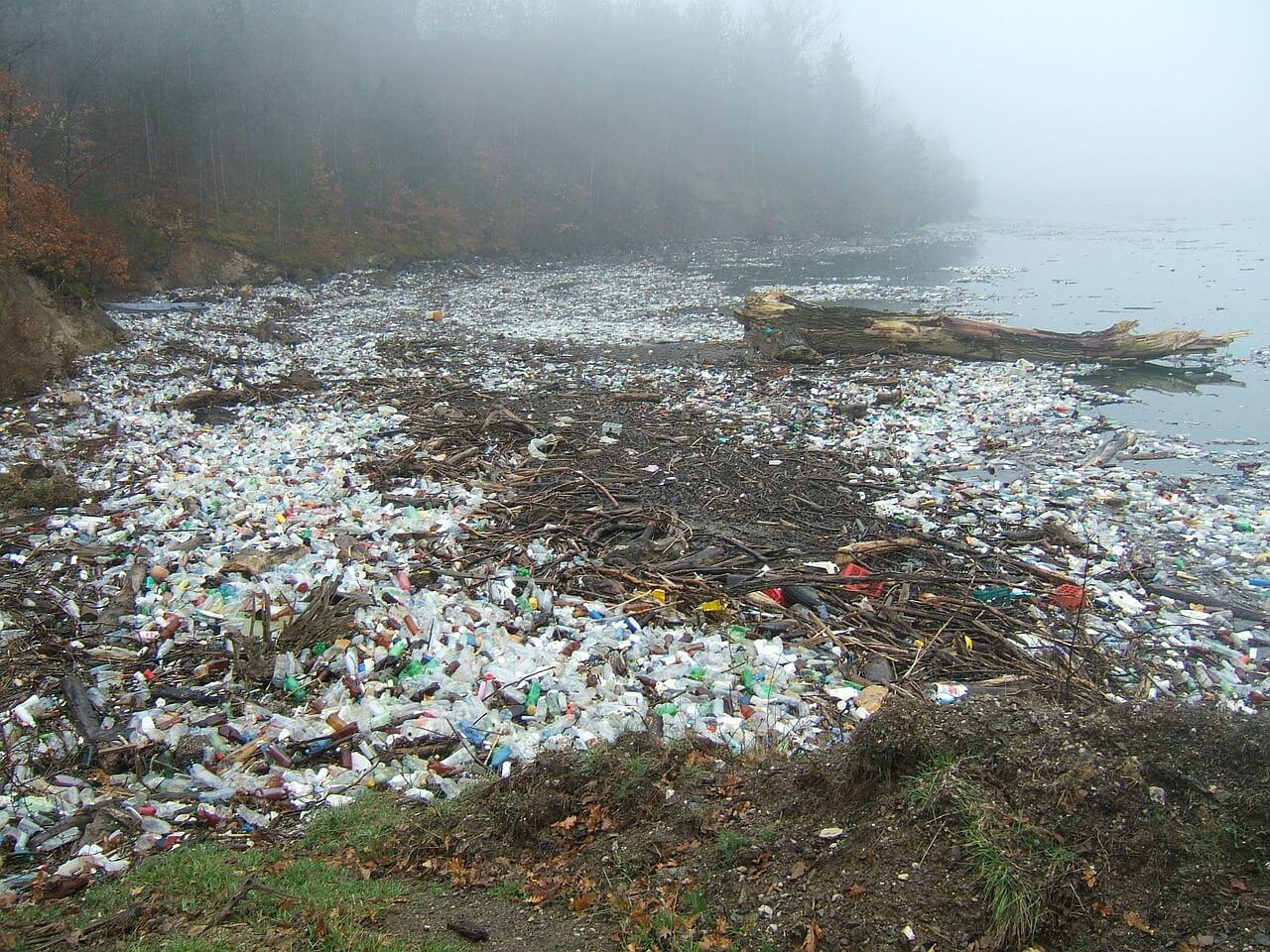 krajobraz skażony odpadami